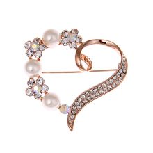 Romantic Heart Brooch CZ Crystals Rose Fake Elegant Lady Wedding Dress Jewelry Accessories Pin Mothers Day