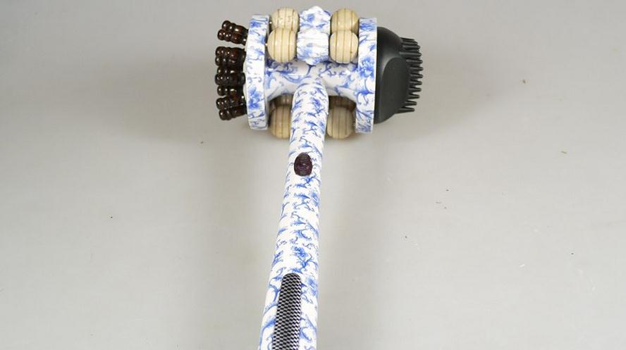 Massage RelaxationThe blue and white porcelain roller massage hammer knock back beat meridian  health 91521 цепочка