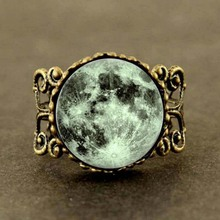 2017 New Trendy Green Moon Ring Round Full Moon Jewelry Space Ring Silver Glass Dome Gifts Women