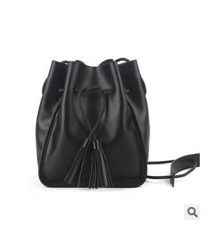 ФОТО 2017 women's vintage bucket handbag  cowhide tassel messenger bag casual preppy style women's messenger bag
