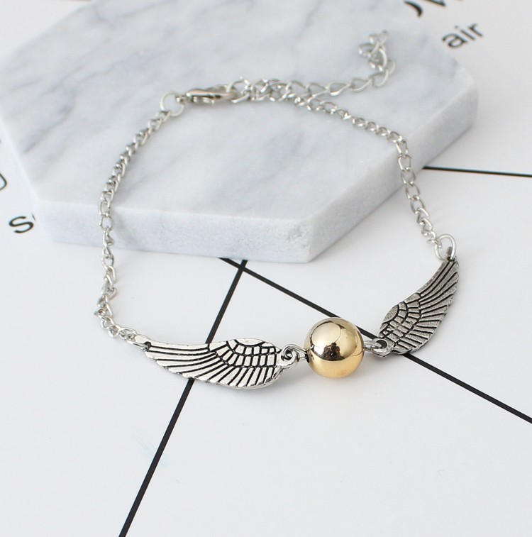 2017 Korean version of the new fashion zinc alloy wings bracelet 7 female jewelry free shipping