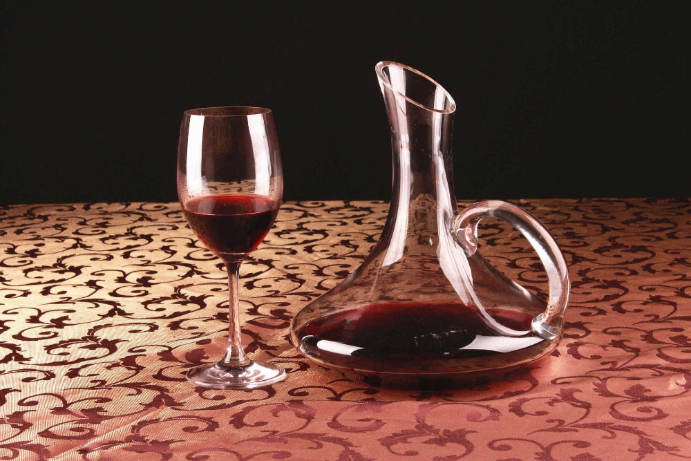 1PC 1700ML New Glass decanter with handle pot belly oblique decanter wholesale cold incision glass bottle