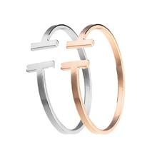 d2cb47d26847 Nuevo 2019 mujeres brazalete de acero inoxidable C brazalete de brazaletes  de oro de plata Pulsera