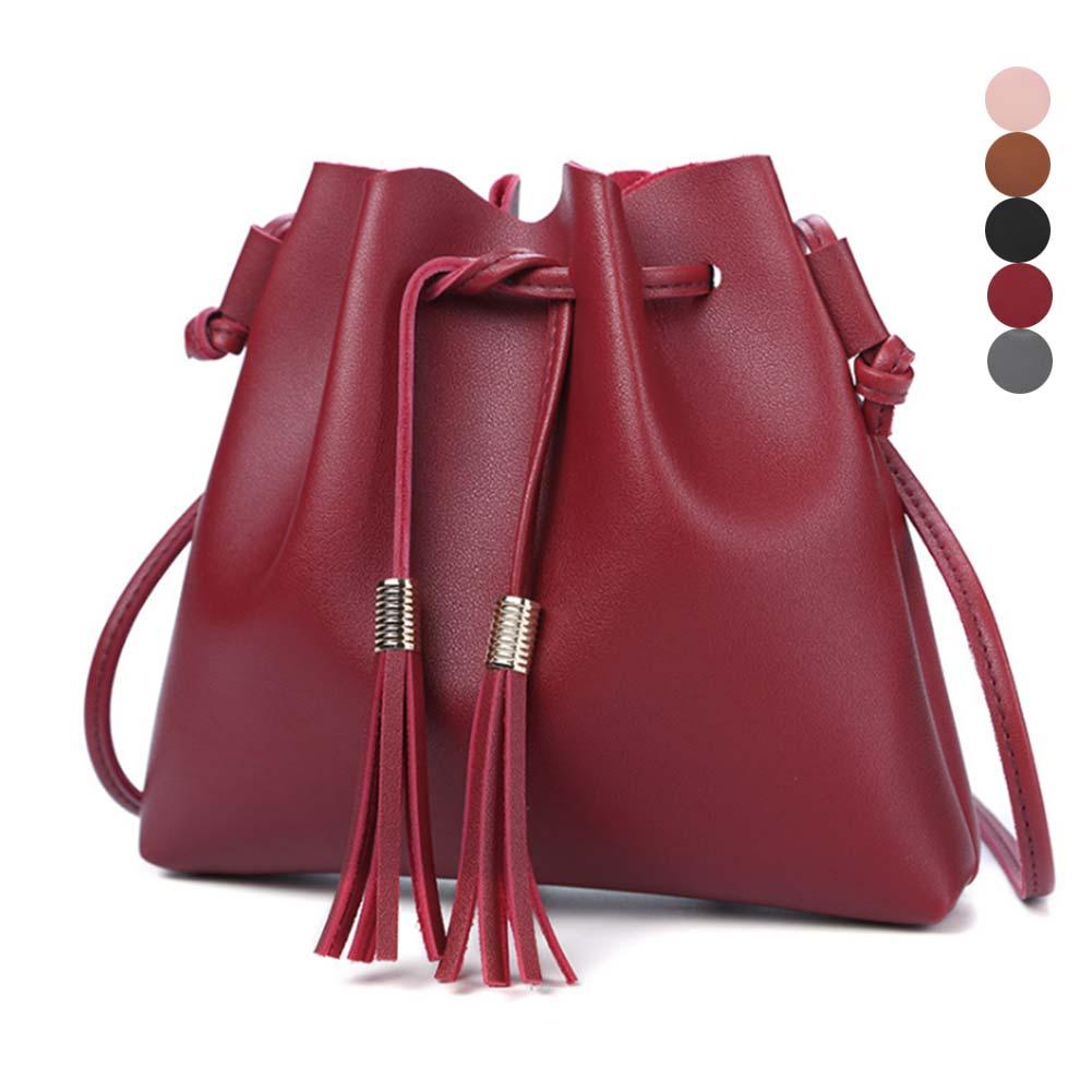 цены на Women Classical  Messenger Bag PU Leather Solid Color Tassel Bucket Handbags Lady Casual Crossbody Shoulder Bags Popular в интернет-магазинах