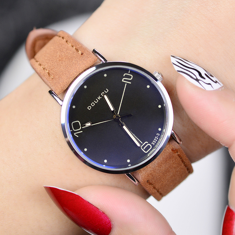 цена на Fashion Leather Unisex Men Women Watch Brand Luxury Mens Quartz Wrist Watch Ladies Watches Relogio Masculino Feminino Clock XFCS