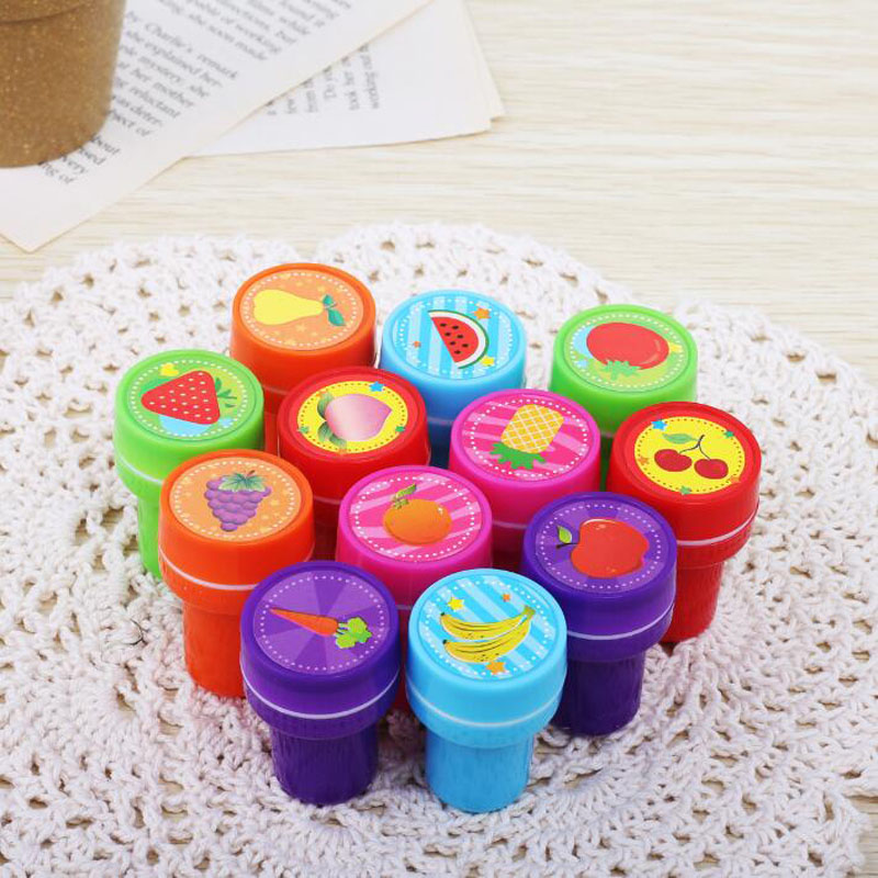 1pcs Cute Fruit Series Seal Round Plastic Cartoon Bring Inkpad Seal Toy School Office Party Favors Kids Educational Stationery