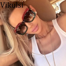Colorful Pearl Crystal Fashion Women Oversized Square Sunglasses Brand Designer Popular Women Gradient Lens Retro Eyewear UV400