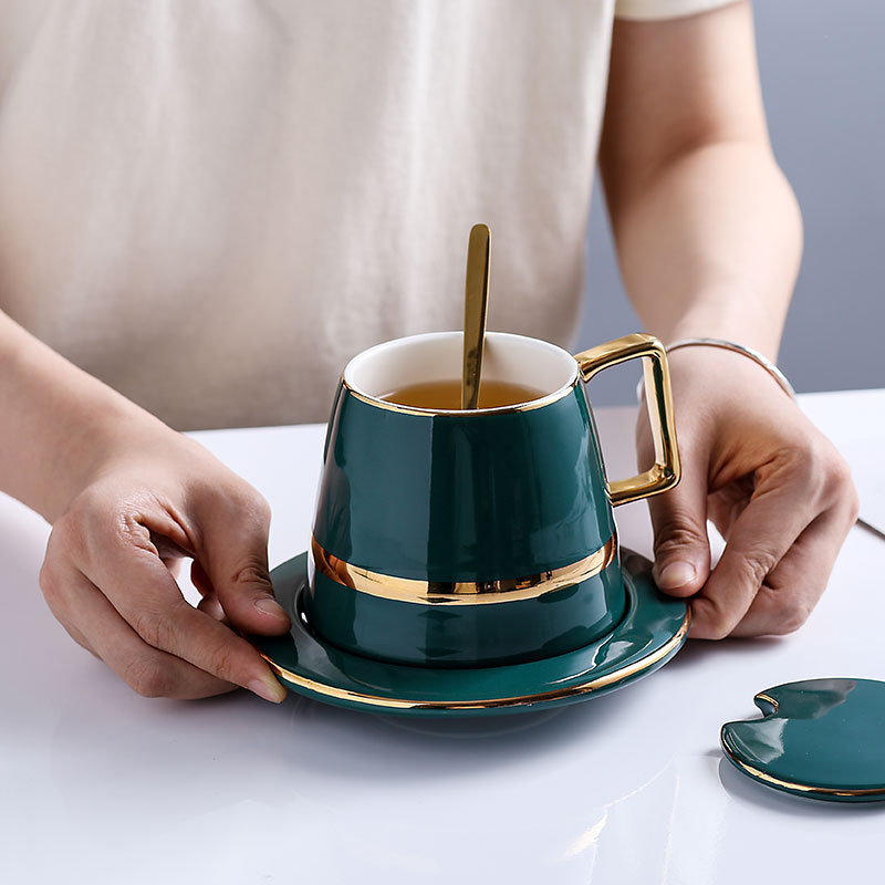European Luxurious Ceramics <font><b>Coffee</b></font> <font><b>Cup</b></font> <font><b>Sets</b></font> 5pcs With Lid Dish Spoon Gift Box Suit Mugs Milk Tea <font><b>Coffee</b></font> Green Drinkware 450ml image