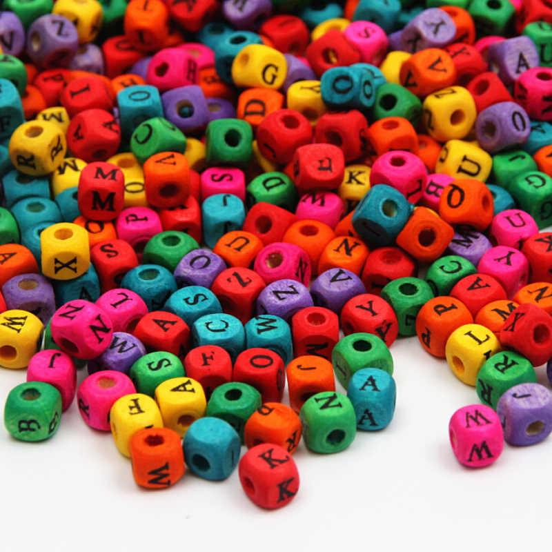 Alfabe A-Z Mektup ahşap boncuklar Spacer 100 adet 8mm Renkli Ahşap Boncuk Takı Yapımı Için DIY Bebek Takı Maka Up tam Adı