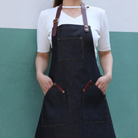 De corpo Inteiro Preto Azul Denim Avental w/Leather Strap Barista Florista Barbeiro Carpenter Uniforme Desgaste do Trabalho Garçom Catering K62