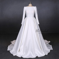 PEORCHID 2019 Vintage Satin Backless Bridal Dress Modest White Long Sleeve Boat Neck Wedding Dress A Line Robe Mariage Femme