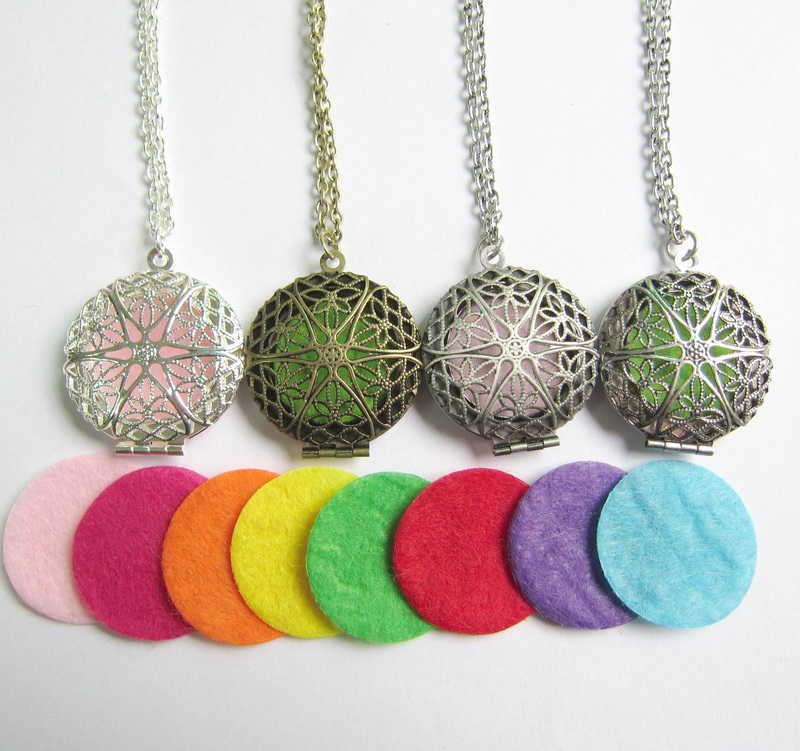 New sale brass pendant locket necklace aromatherapy essential oil diffuser necklace 1 necklace with 8pcs felt pad