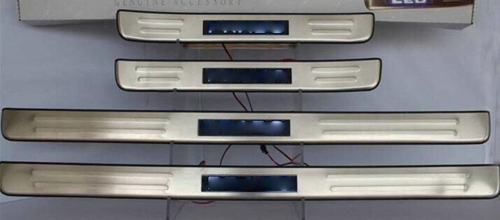Pour Toyota land cruiser prado 120 accessoires 2003-2009 LED seuil de protection de seuil de porte automatique seuils de protection de plaque de seuil
