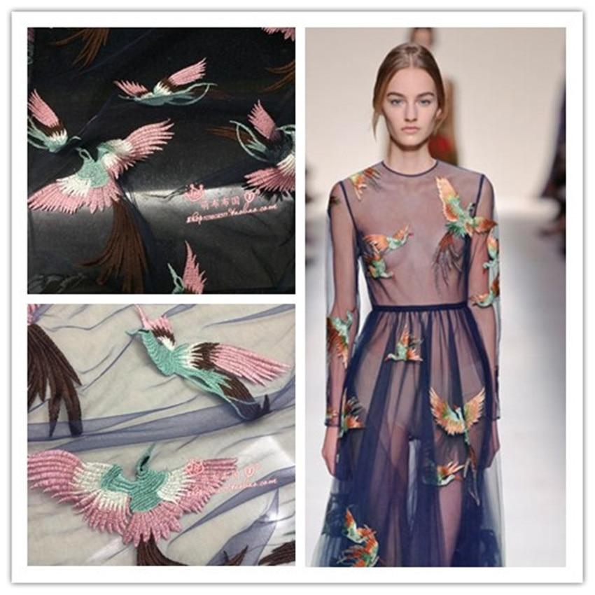 Птица вышивка на платье