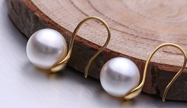 charming AAA10-11mm south sea white earring 18k yellow goldcharming AAA10-11mm south sea white earring 18k yellow gold
