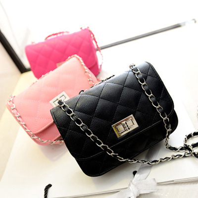 Free shipping 2018 spring new classic ladies bag mini fragrant wind Quilted chain bag High qualit women Messenger bag handbags famous brand handbags 2017 new chain bag small fragrant wind messenger handbag shoulder bag pu material wholesale free shipping
