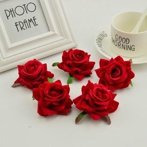 Image 4 - 100 stücke seide rosen kopf DIY hand kränze hut blume rot rosa weiß blau künstliche blume billig für home hochzeit dekoration