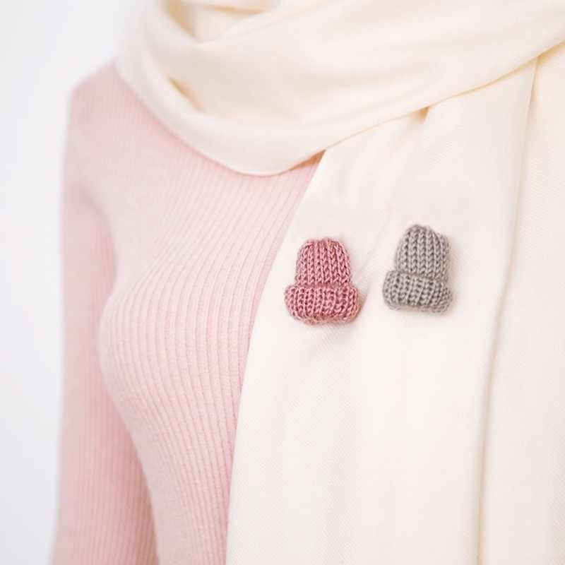 Cute 1Pc Fashion Knitted Creative Corsage Fashion Mini 6 Colors Brooch For Women Hat Woolen Clothing Dress Accessories