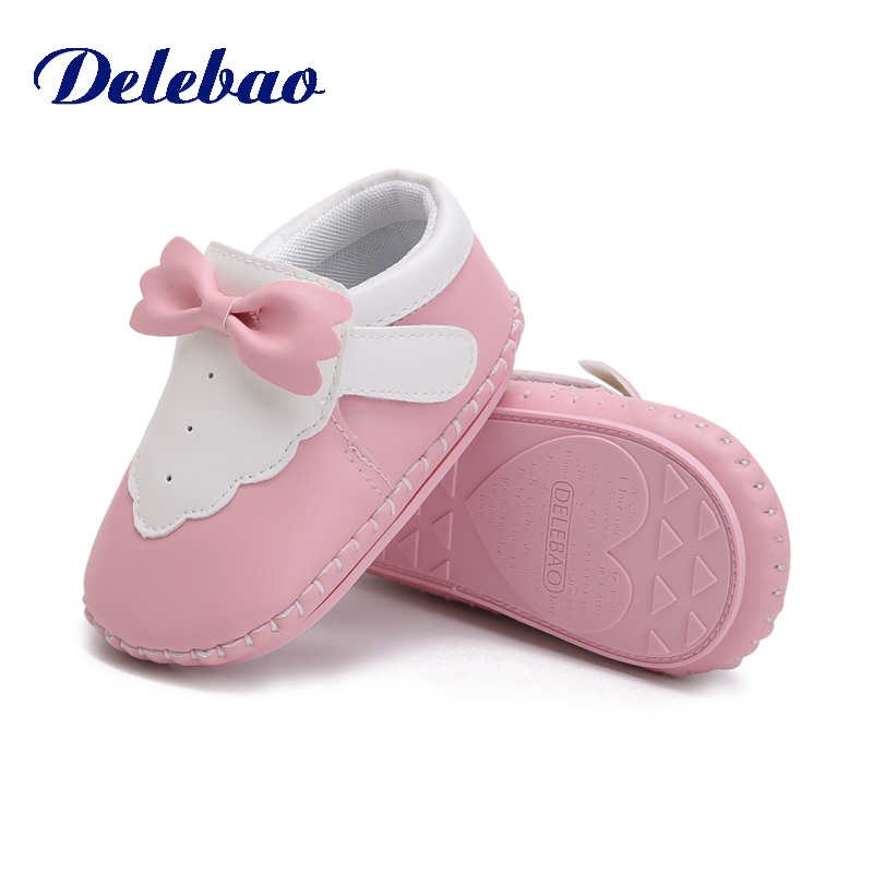 Купить с кэшбэком Delebao 2018 Autumn New Design Baby Shoes Soft Sole Pu Material Hook & Loop Toddler Shoes Unique Butterfly-knot First Walkers