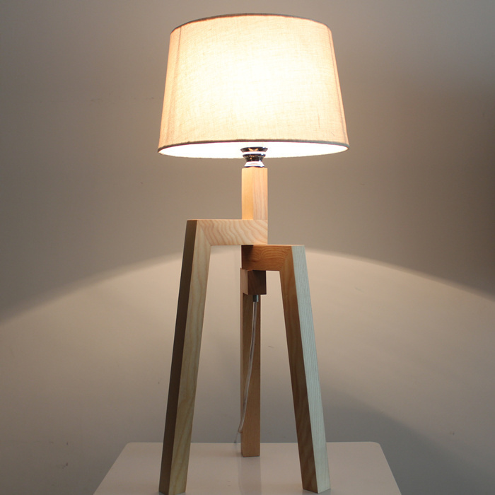 Solid Wooden minimalist fashion creative adjustable wooden floor lamp Continental cozy bedroom bedside lamp small floor lights