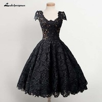 Vintage Scoop Knee Length Cap Sleeves Black Lace Homecoming Dress Party Gowns For Graduation