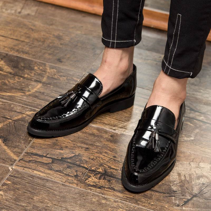 Mens Formal Tassel Slip on Patent Leather Dress Shoes Men Pointed Toe Flats Male Italian Elegant Business Oxford Shoes 2018 in Formal Shoes from Shoes