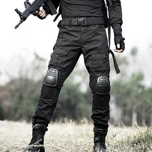 Image 2 - טקטי מכנסיים גברים צבאי הסוואה Pantalon צפרדע מטען מכנסיים ברך רפידות לעבוד מכנסיים צבא צייד SWAT Combat מכנסיים