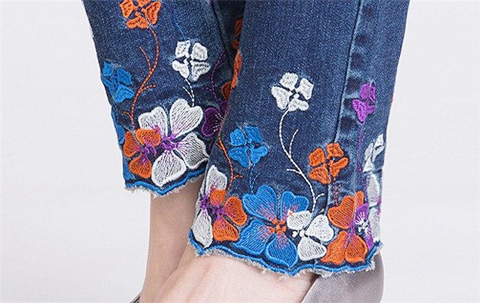 3230 Grande Femmes De Moulant Pieds Mince 2019 Jeans Vêtements Taille 3231 Pantalon Fleur Stretch Broderie Printemps nAPA64z