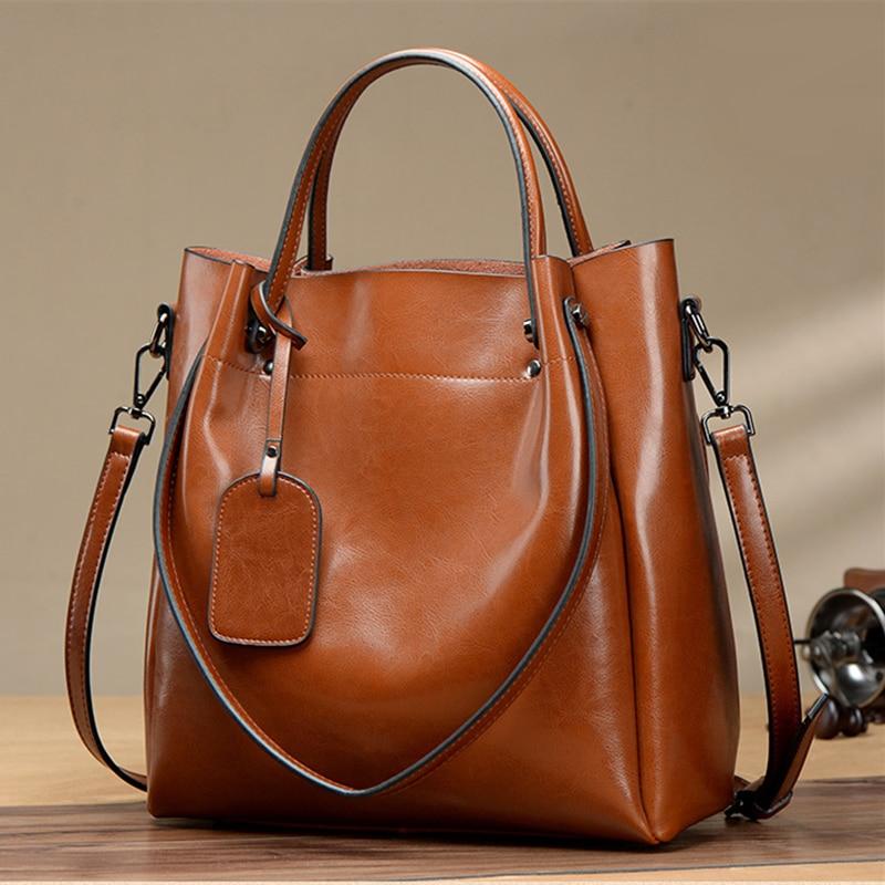Women handbags 2019 new soft Oil wax leather large capacity women handbags genuine leather fashion female