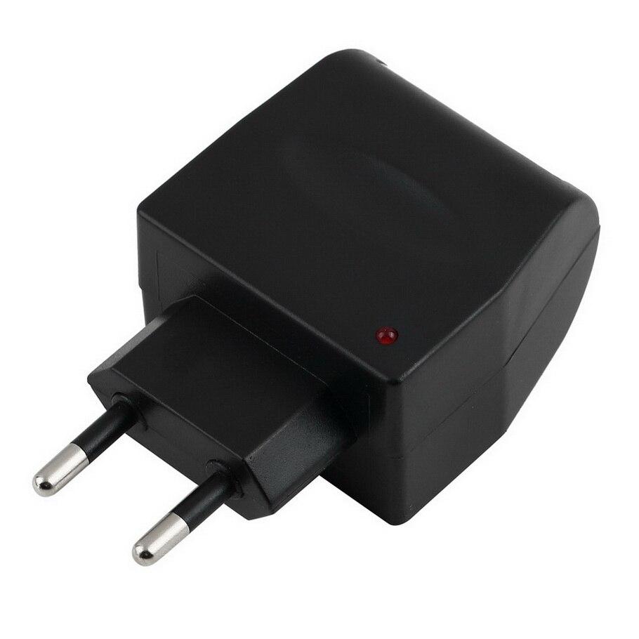 EE4104 110 V-220 V переменного тока в постоянный, работающего на постоянном токе 12 В в евро автомобильное Мощность адаптер конвертер бытовой розетка для автомобильного прикуривателя Мощность Лидер продаж
