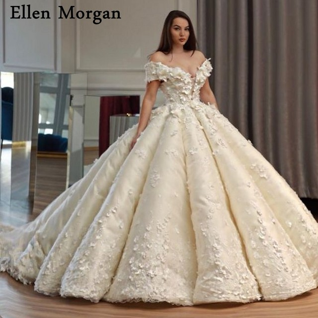 Elegant Princess Ball Gowns Wedding Dresses with Lace Sweetheart Off  Shoulder Court Train Corset Custom Made Bridal Gowns 2019 9dd6dfe00202