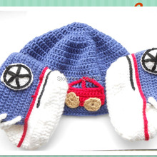 2015 Hot Sale Crochet Baby Girl Hat and Booties Set