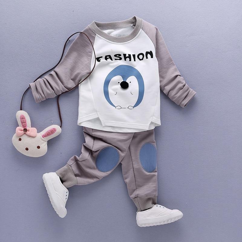 ФОТО Fashion Cartoon Penguin baby Boys' Clothing Sets long sleeve sweatshirts pants sport suits boys clothes set 2017 spring hot sale