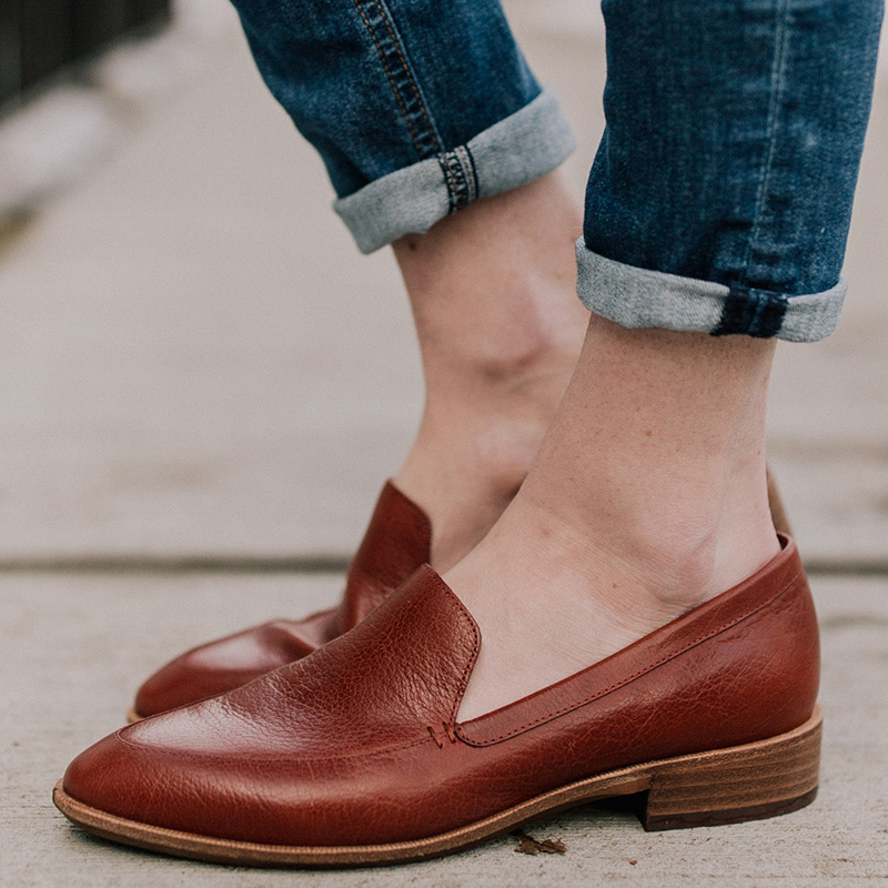 Women Flats shoes 2018 Loafers Leather Fashion Design Flats for Lady Big Size Lace-Up Woman Shoes Zapatos Mujer 35-43 WF55