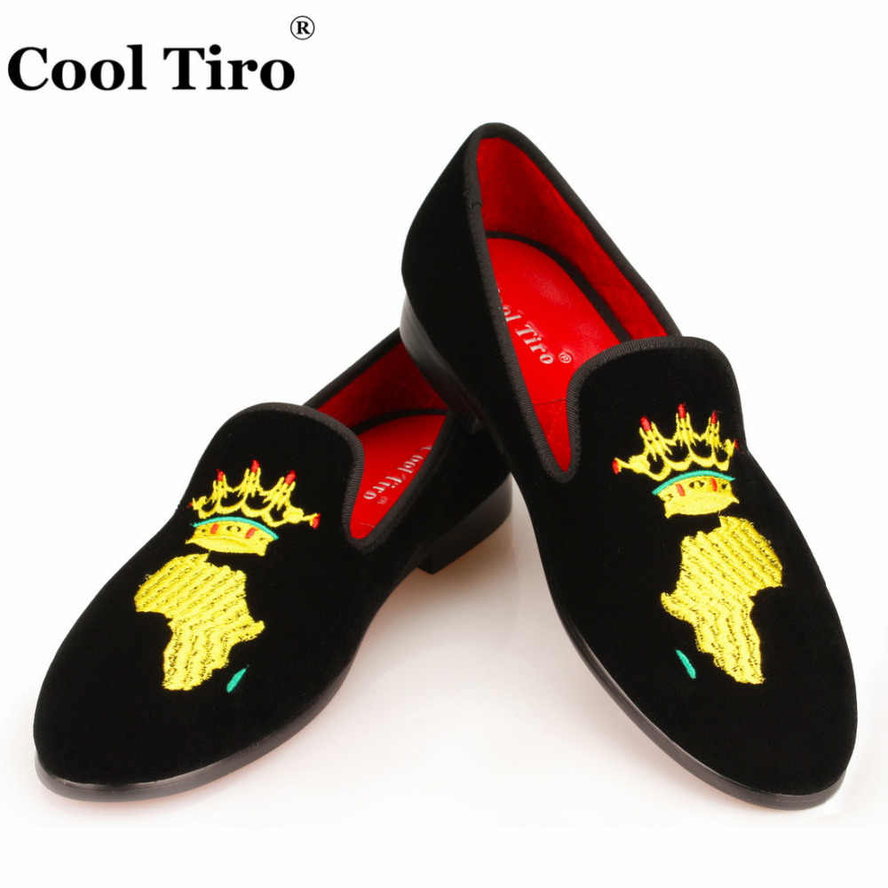 Cool Tiro Black Velvet Shoes Men Loafers Embroidery African Map SmokingSlippers prom Wedding Men's Dress Shoes Casual Man Flats