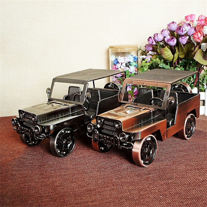 Vintage militaire Jeep métal modèle Statue Antique voiture Miniature Figurines rétro fer accessoire artisanat décoration de la maison accessoires