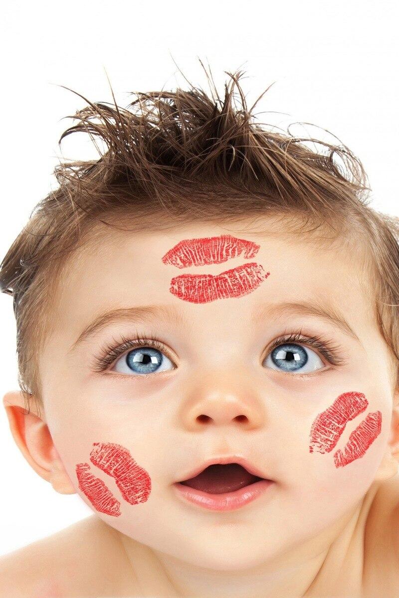 US $7 44 OFF Kain Kustom Poster Bingkai Tersedia Lucu Anak Kecil Dengan Lipstik Di Wajahnya PBB38 Untuk Dinding Decor Dekorasi Kamar Dekorasi