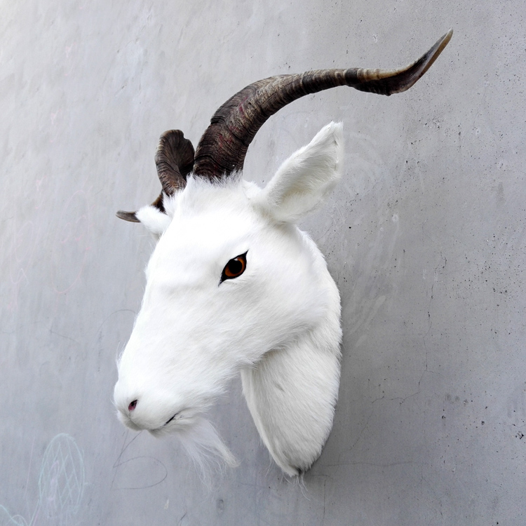 large 30x30cm simulation white goats head polyethylene&furs wall pandent model prop,home ,bar decoration Xmas gift w1507large 30x30cm simulation white goats head polyethylene&furs wall pandent model prop,home ,bar decoration Xmas gift w1507