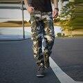 Pantalones de Los Hombres 2016 Nuevo Otoño de la Llegada de Camuflaje militar Pantalones Cargo Moda Suelta Más El Tamaño de Múltiples Bolsillos Pantalones Casuales Para Hombre Caliente
