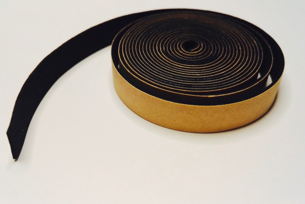 EPDM Adhesive Sealing Strip Insulation Gasket Door Window Track Jamb Cushion Cabinet Seals 1mm x 10mm 5 x 10mm odd Black