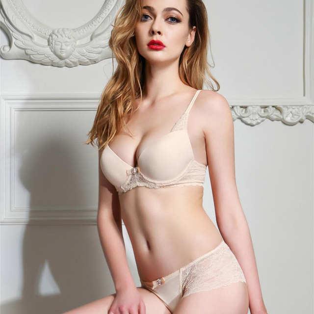 2017 new and hot bra set three -breasted glossy lace sexy underwear bra and panties set 3 colors