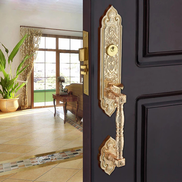 European Gate Lock Guard Against Theft Handle Lock High Top Villa Double  Open Bronze Door Lock Exquisite Carved Wooden Door Lock