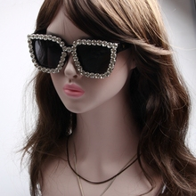2017 Sunglasses Women Square Vintage sunglasses Bling Rhinestone Sunglasses for Women Oversize Sun glasses Summer Style UV400