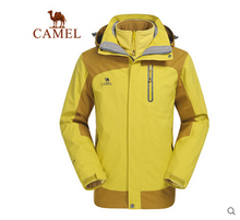 Camel Outdoor Jackets Mens Jackets triple windproof waterproof and breathable fleece liner A4W253075