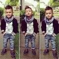 Bebé Fijado Ropa 3 unids Abrigo Negro ButtonKids Bebé Caballero + Número 3 Shirt + Jeans Pantalones Ropa trajes Niñosestablece
