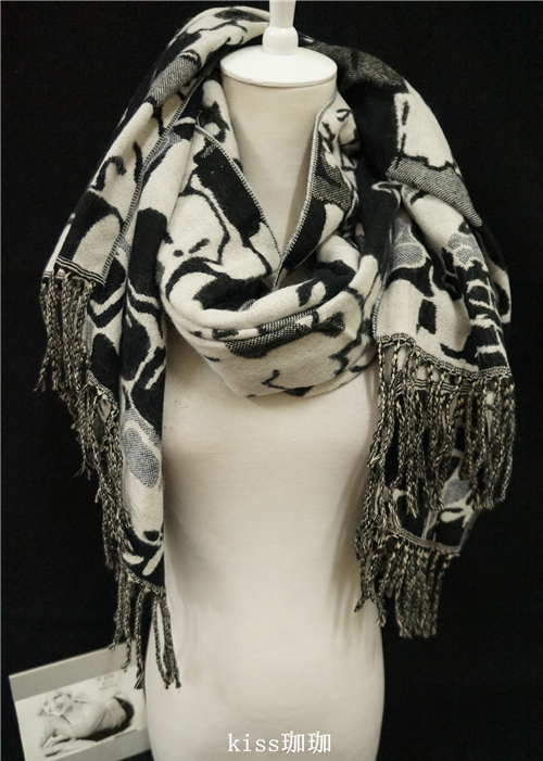 Free Shipping Hot Sale New Autumn & Winter Cashmere Wool Black and White Abstract Geometry Tassels Long Cape Scarf Pashmina
