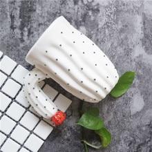 Personality White Bone China Relief Ceramic Mug Elegant Embossed Coffee Mug Ceramic Milk Mug Office Meeting Tea Mug