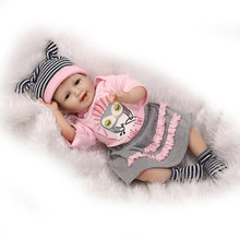 Merry Christmas Gift 55cm 22inch Reborn-Baby-Doll With Pink Cotton Mixed Fabric Garments NPK Brand Hot Sell Bebes Reborn Benecas