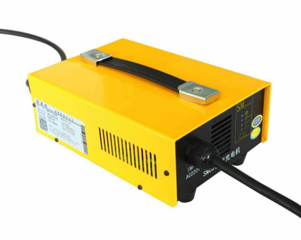 цена на 24V 50A Car Battery Charger High Frequency Lead Acid Battery Charger Reverse Pulse Desulfation Battery Maintenance