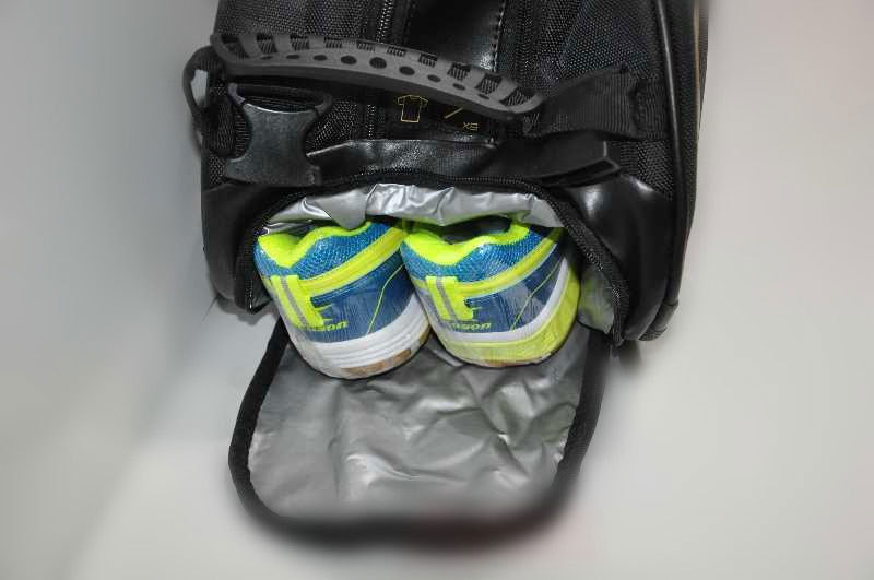 Gold/Black Genuine Lining Badminton Rackets Bag Chen Long 6 Racquet Badminton Bag Li-ning ABJJ048 Backpack L240OLB